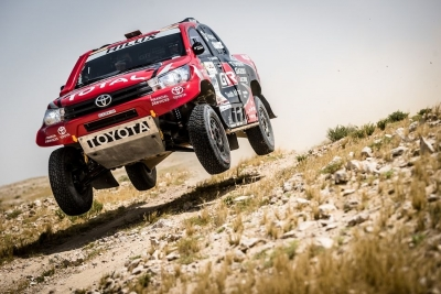 III etap  Qatar Cross-Country Rally – Al-Attiyah odrabia straty