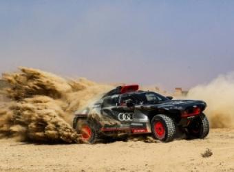 Pustynne testy elektrycznego Audi RS Q e-tron