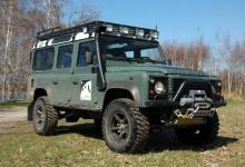 Land Rover Defender 110 wg Rayo 4x4 (2010) - terenowy batmobil