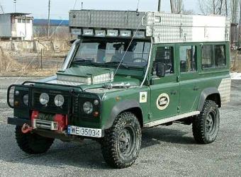 Land Rover Defender 110 (2005) - etatowy wojażer